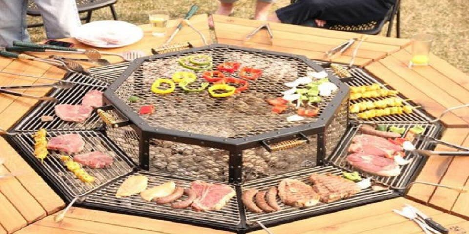 c 39 est le barbecue multi fonctions dont vous aurez besoin cet t. Black Bedroom Furniture Sets. Home Design Ideas
