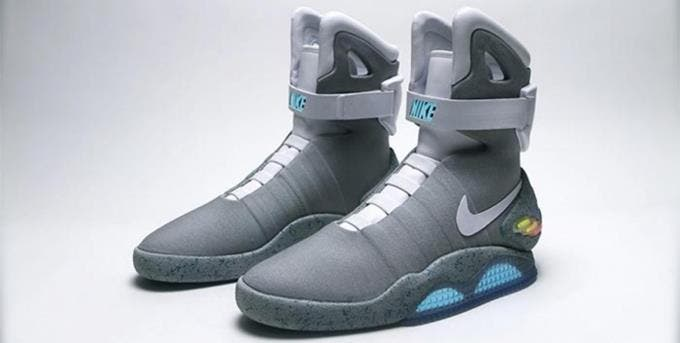 nike chaussures auto laçantes