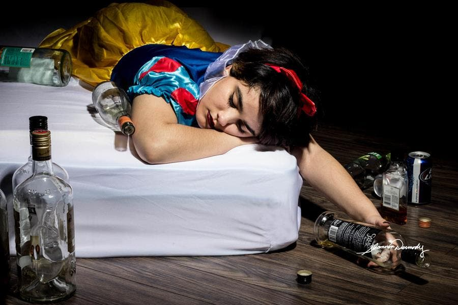 Shannon Dermody princesses Disney maux société Blanche-Neige alcoolisme