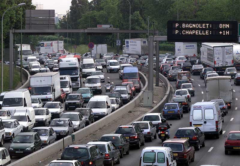 """Résultat de recherche d'images pour """"PHOTO EMBOUTEILLAGE PARIS"""""""