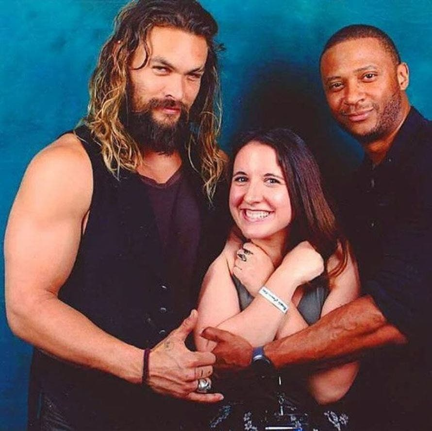 jason, momoa, seance, photos, couple, trois
