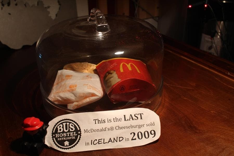mc donald's, burger, islande