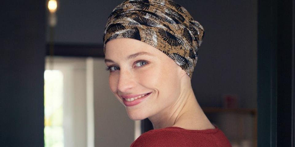 Son foulard sur sa tête après un cancer lui interdit son entrée au casino a7f5adb65ce