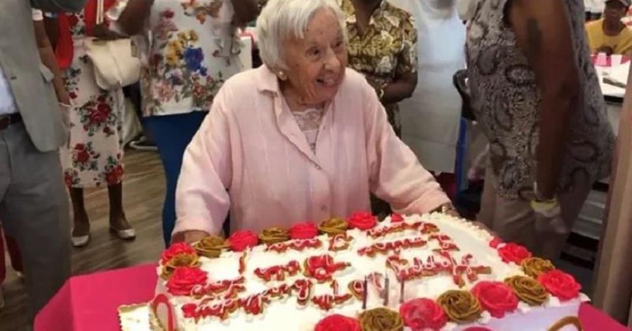 À 107 ans, elle explique que sa longévité est due au fait de ne s'être jamais mariée Gateau