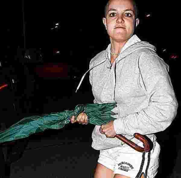 Britney Spears crâne rasé