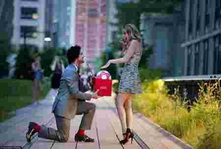 footballeur, romantique, demande en mariage, mignon