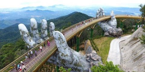 Ce pont semble tout droit sorti du Seigneur d...