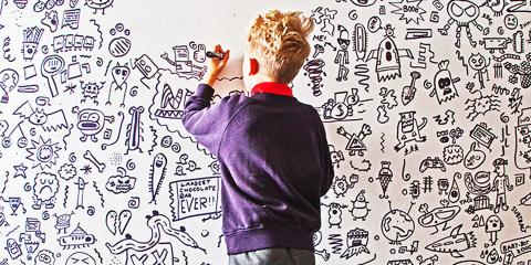 À 9 ans, ses profs trouvent qu'il dessine tro...