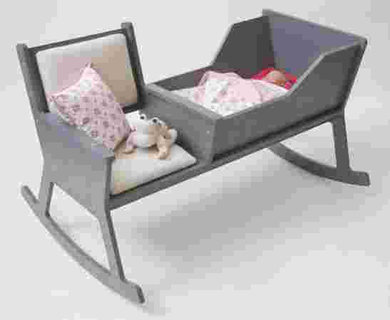 berceau et chaise