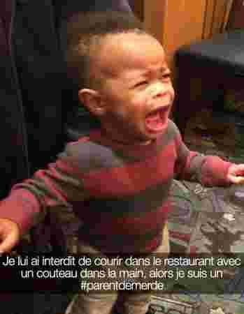 bebe metisse choupinou pleurs interdit snap restaurant couteau