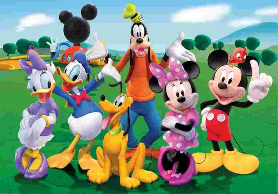 Pourquoi les personnages mythiques de disney portent des - Donald et dingo ...