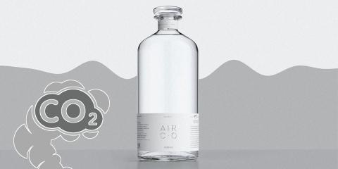 Ils créent une vodka révolutionnaire faite à...