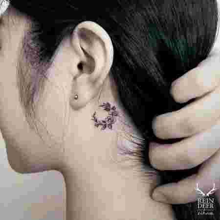 14 Superbes Photos De Tatouages Floraux Derriere L Oreille