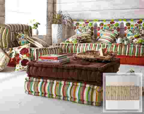 decoration,interieur,cosy,coussin,sol,couleurs-rayures